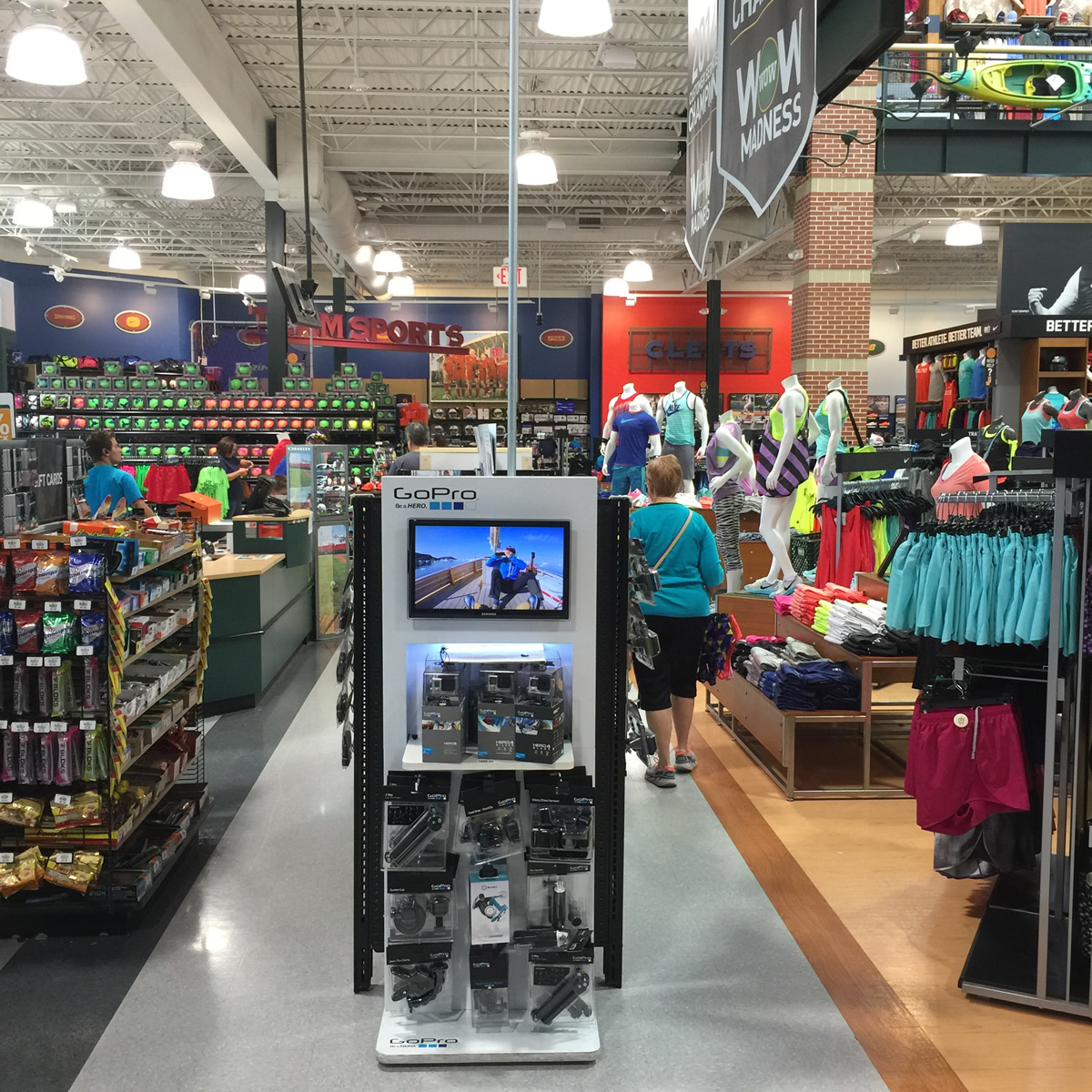 retail-store-display-lighting